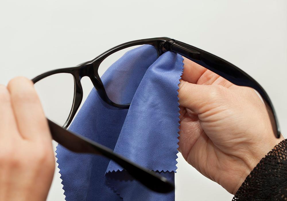 5 dicas para limpar óculos